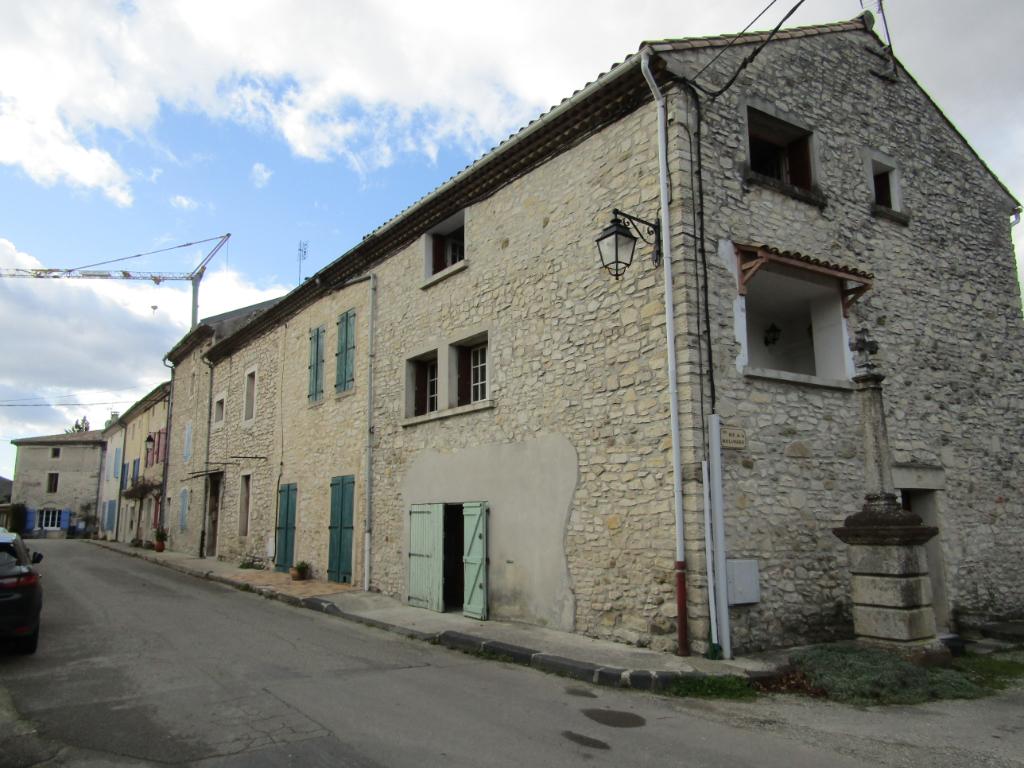 Maison de village  4 pièce(s) 150 m2 à 12 minutes de Montélimar et 3 minutes de la Bégude de Mazenc. 0699425308