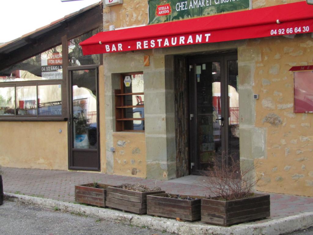 Après 40 années d'activité vends Murs Fonds de commerce Restaurant trad +  Pizzeria+ Licence IV : 0699425308
