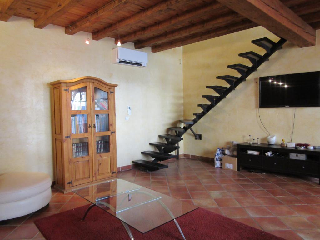 Maison de village   4 pièce(s) 103 m2 avec belle cour de 170 m2 sur Tulette. 0699425308