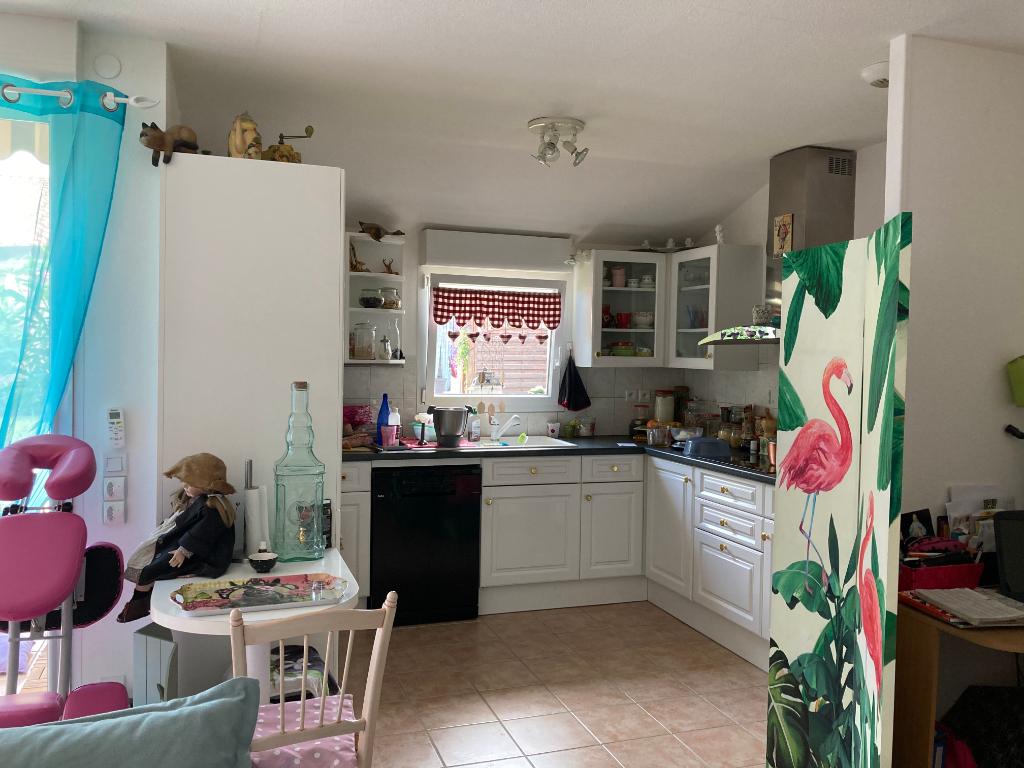 Magnifique maison pour senior à Saint Pantaléon Les Vignes de 75 m2 au calme avec une belle vue 0668368774