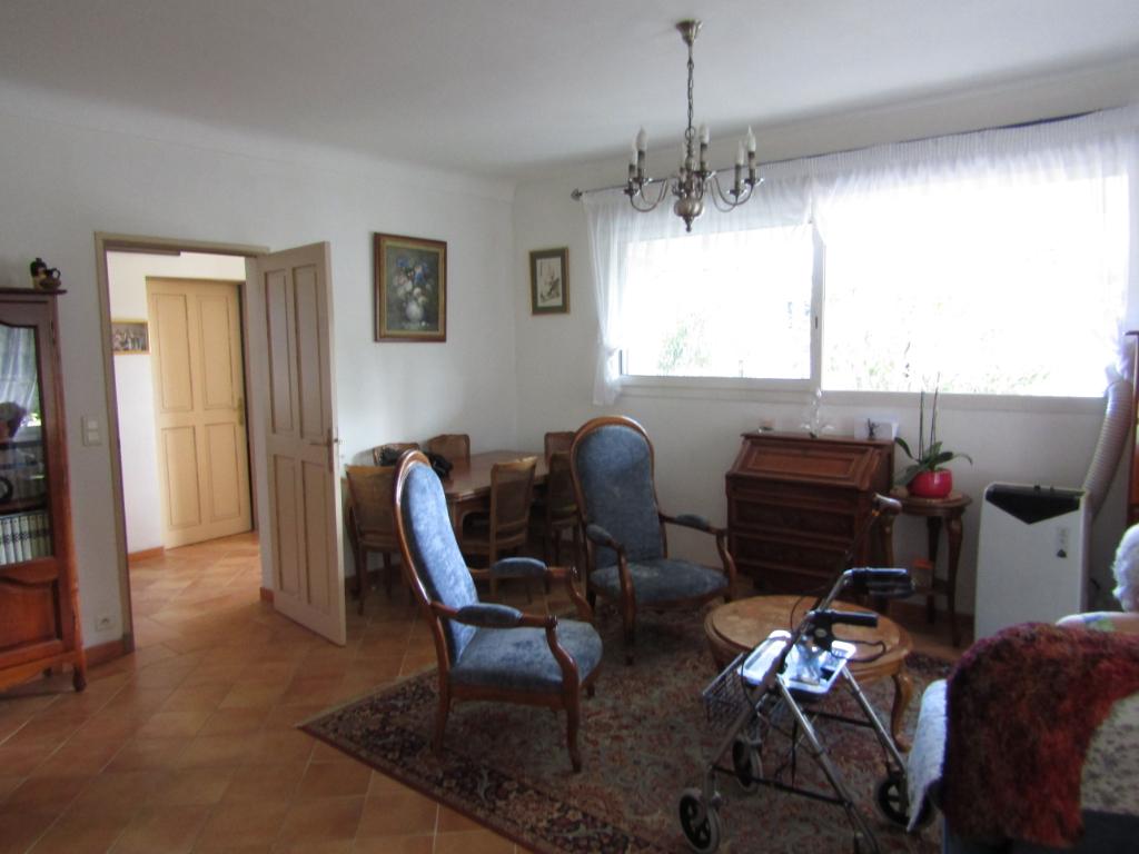 Très bel Appartement Pernes Les Fontaines 5 pièce(s) 146 m2 0699425308