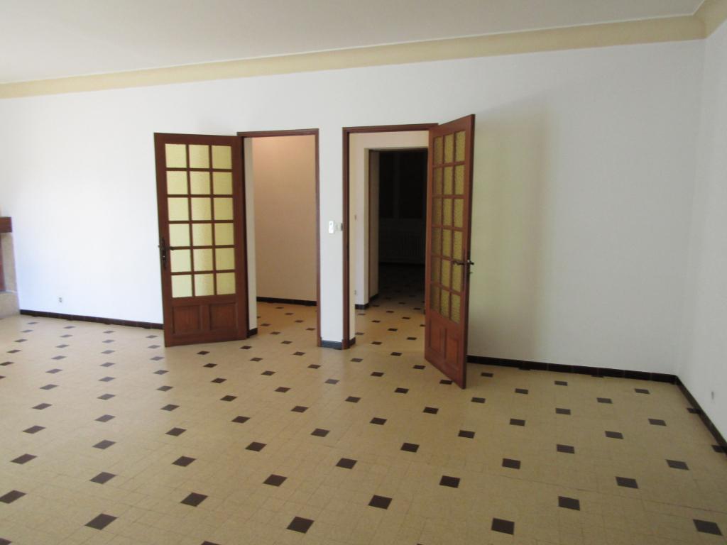 Très bel appartement Pernes Les Fontaines 6 pièce(s) 176 m2 et 2 garages : 0699425308