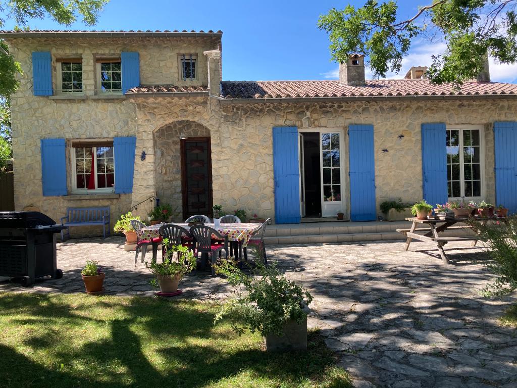 Charmante villa à Roaix 5 pièces de 168 m2 sur 1207m2 avec vue sur les vignes  Annie 0668368774