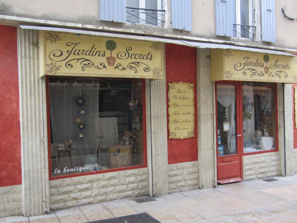 Vente boutique décoration, cadeaux,souvenirs et senteurs en Drôme Provençale. 0699425308