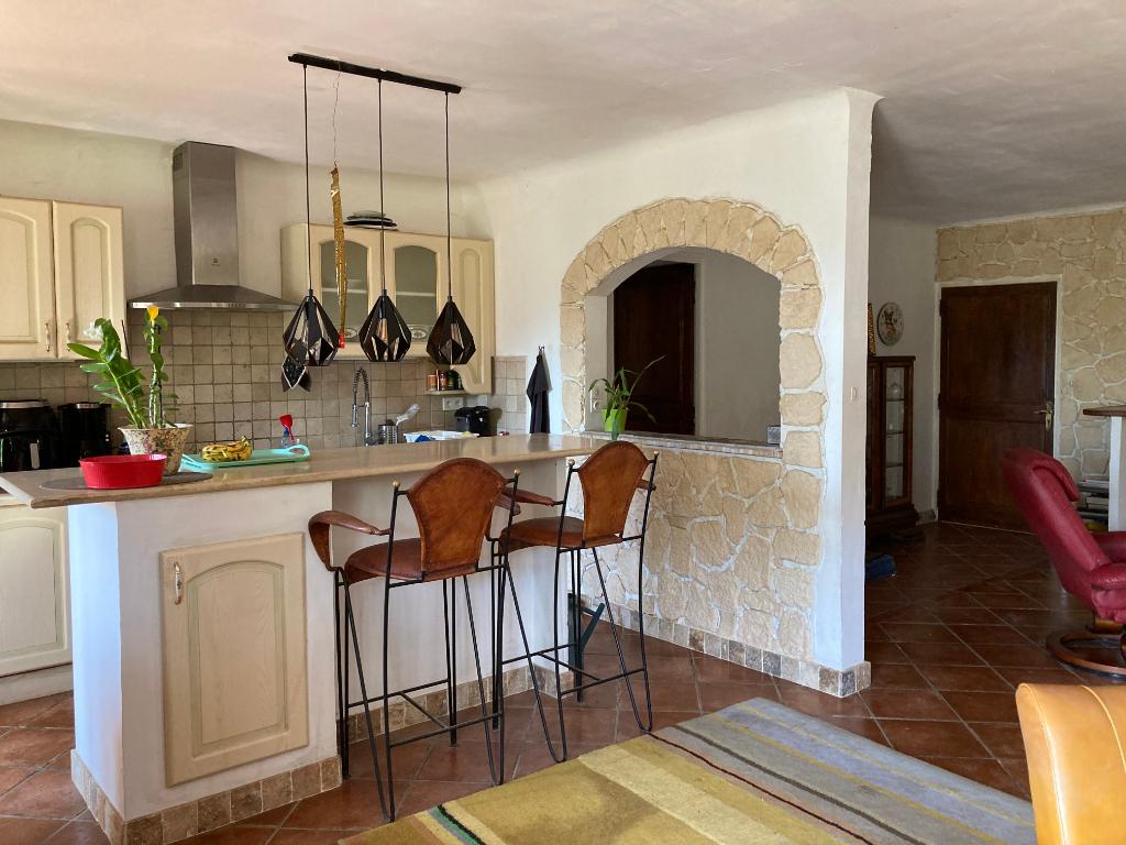 Très belle maison à Le Pègue de 168 m2 avec un jardin exotique et arboré sur 1 terrain de 4300m2 avec vue sur les lavandes 0668368774