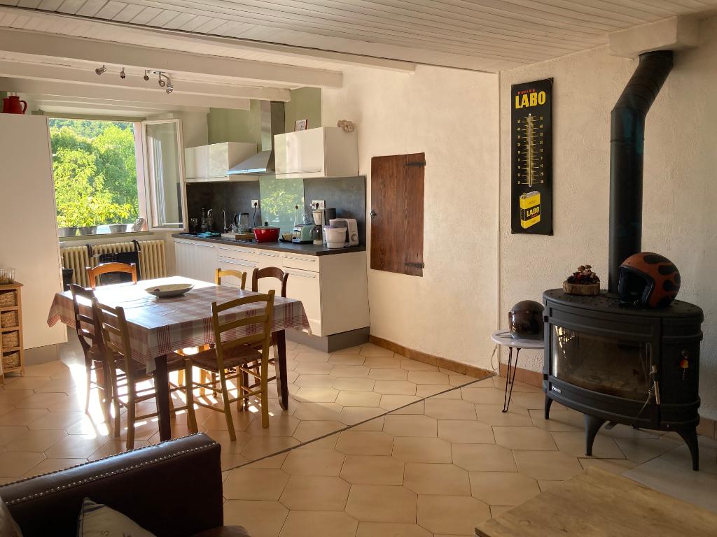 Charmante maison de village à Sainte Jalle de 134m2 et sa jolie vue des montagnes 0668368774