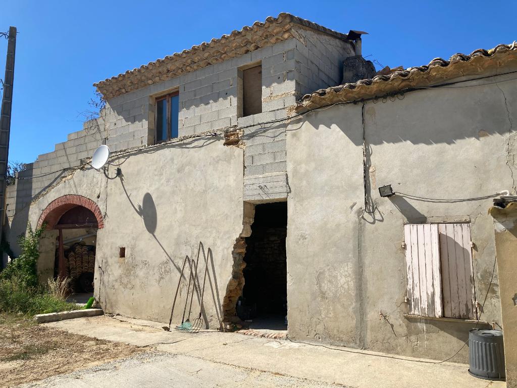 Maison ancienne à rénover en pierre à Bouchet en Drôme Provençale de 106m2 avec  terrain de 700m2 0668368774