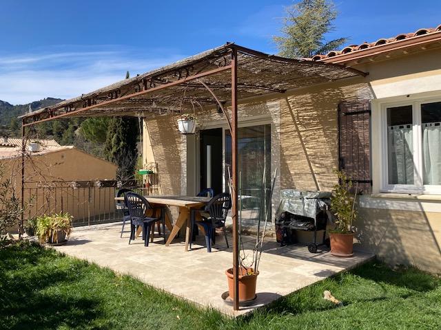 Buis Les Baronnies, très jolie villa plein pied de 110 m2 et 698m2 de terrain avec un paysage exceptionnel, Annie 0668368774