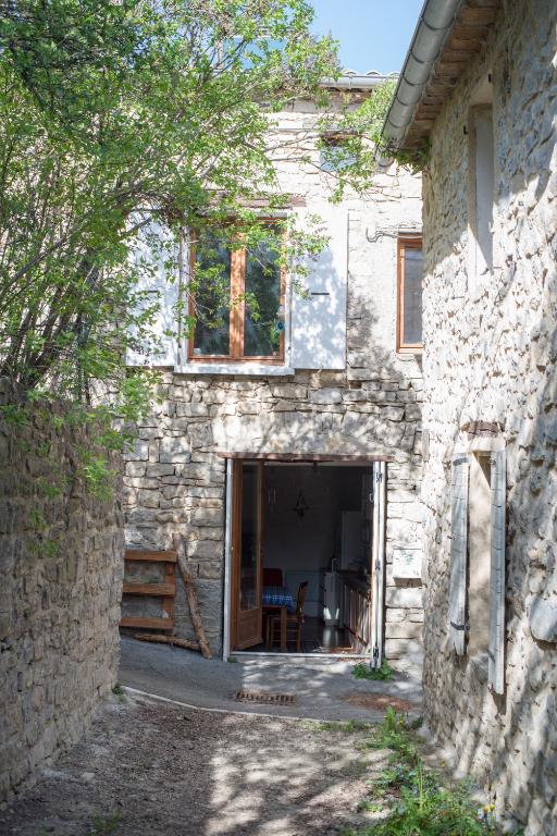 Maison de village Saint Auban Sur L Ouveze 3 pièce(s) 68 m2