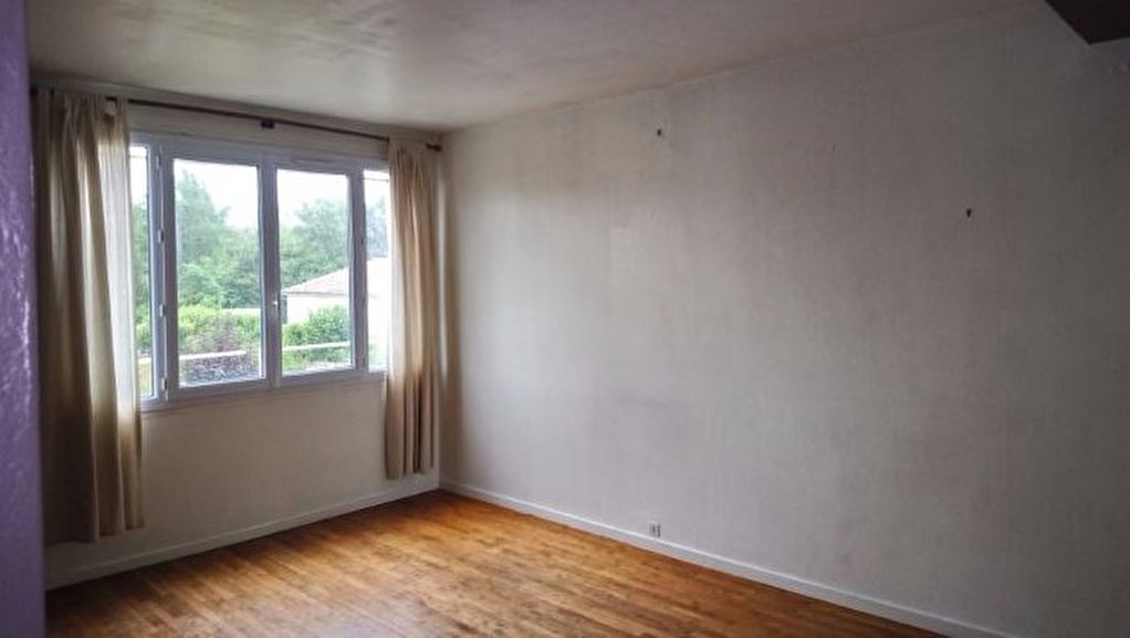 APPARTEMENT BUXEROLLES, 55 M², 2 CHAMBRES.
