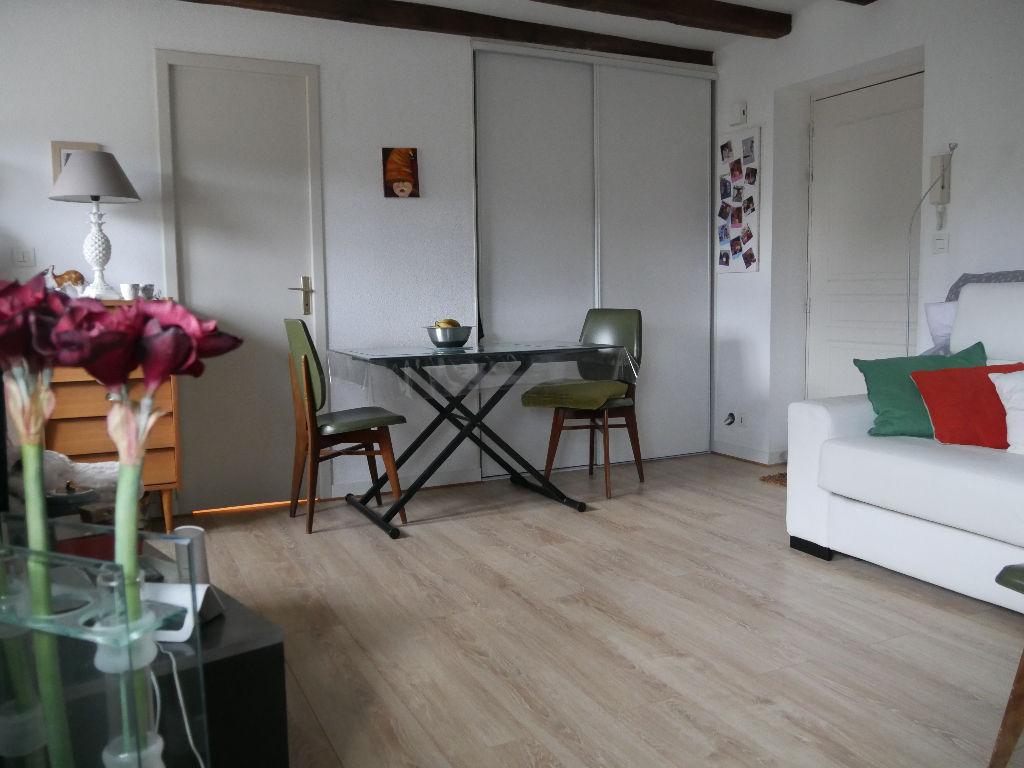 EXCLUSIVITÉ, STUDIO 27 M² AVEC PARKING SÉCURISÉ, CENTRE VILLE.