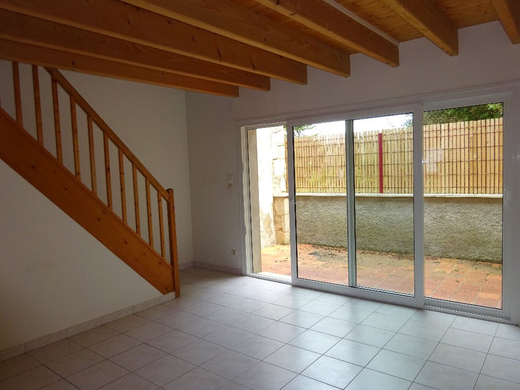 APPARTEMENT 95M², POITIERS, 2 CHAMBRES.