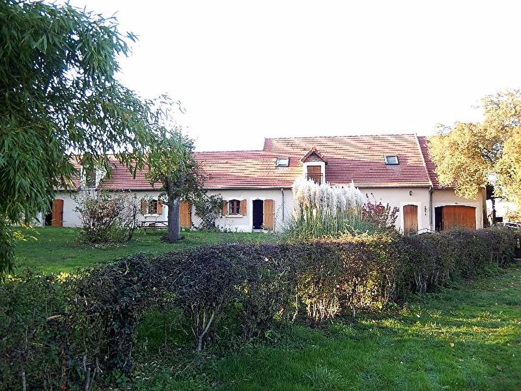 Maison avec gîte, avec prés d'un hectare