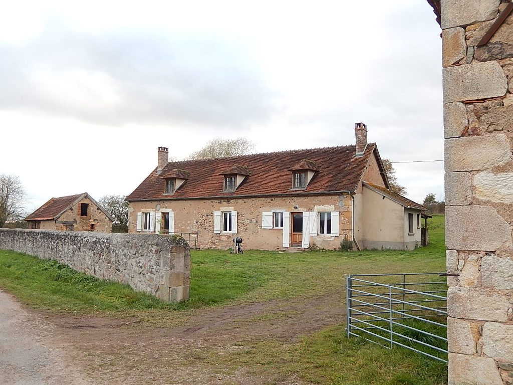 Cerilly- Authentique fermette sur un terrain de 2315m² proche de la Forêt de Tronçais