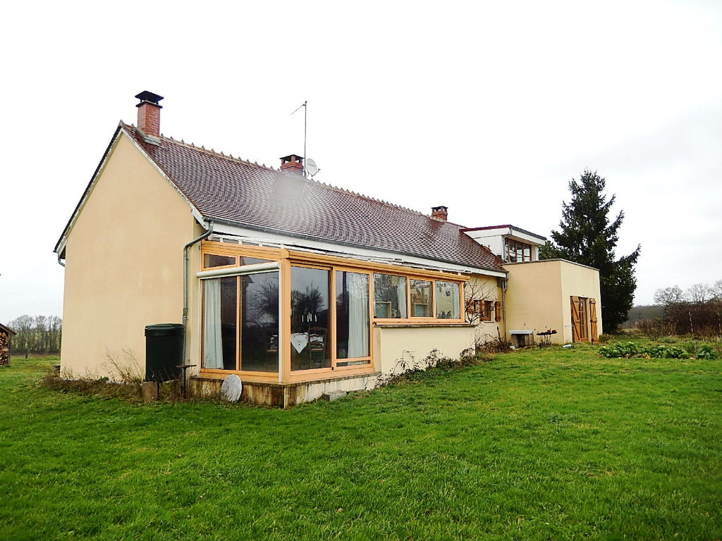 Lurcy-Levis Renovated house (200m²) with a large barn (290m²) on a plot of 7200 m²