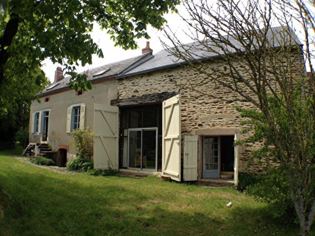 Preveranges - Maison de vacances familiale avec 2 unités sur un terrain de 3080m².
