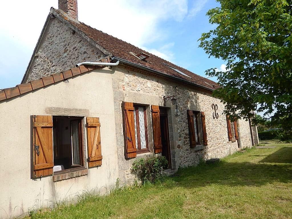 Saint Plaisir   Belle maison rénovée 170m² sur un terrain de 1500m²