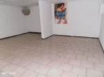 Face au march�, 68m2, possibilit� restauration.