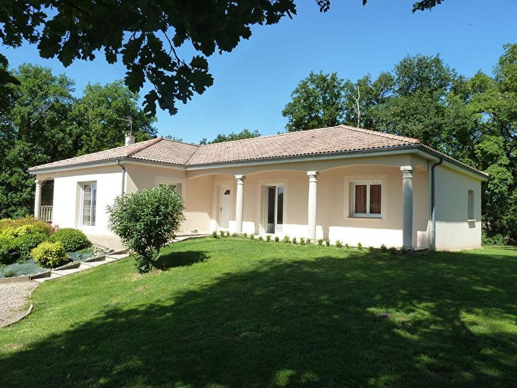 Maison Tauriac 6 pi�ce(s) 169 m2
