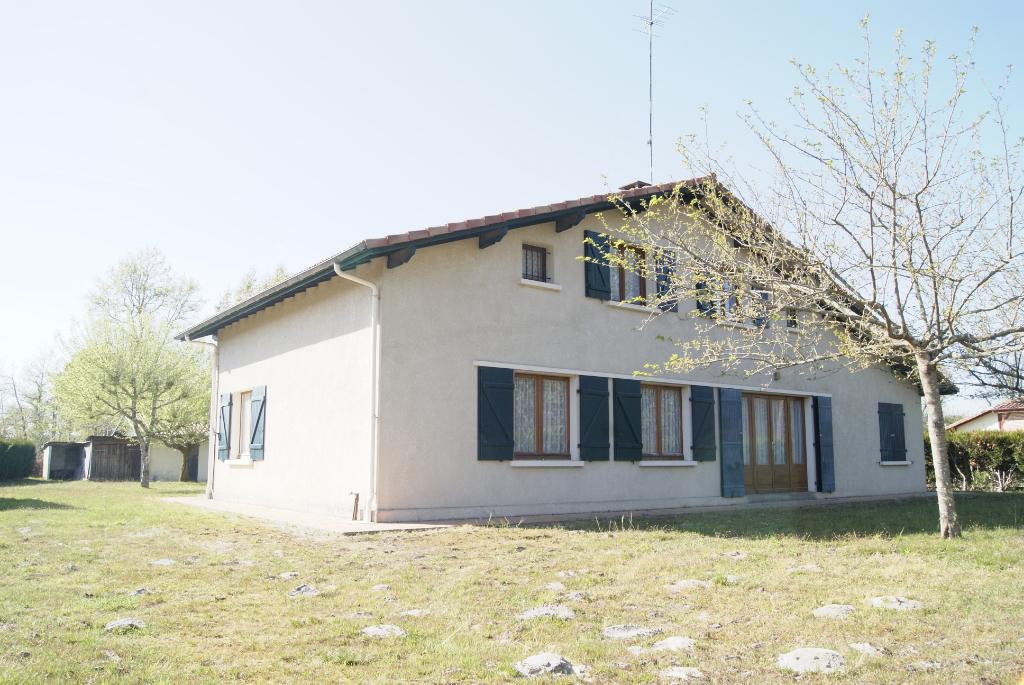 A vendre, maison Léon, emplacement idéal