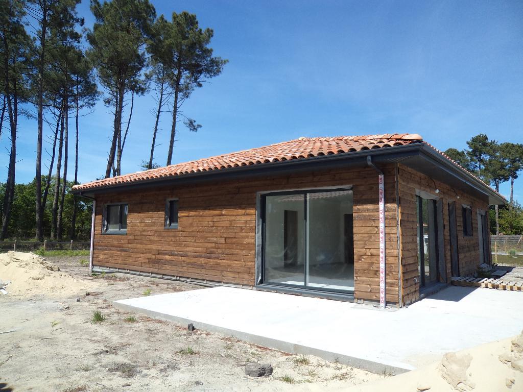 A vendre, maison neuve à Léon