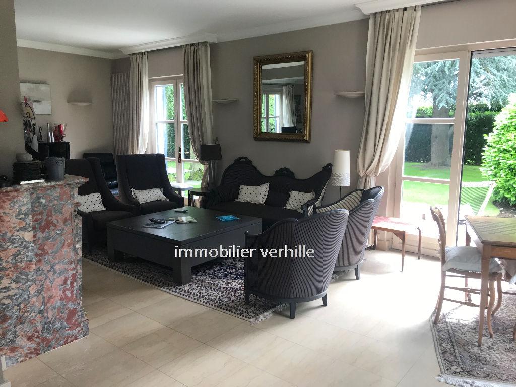 Villa Pérenchies 220 m2
