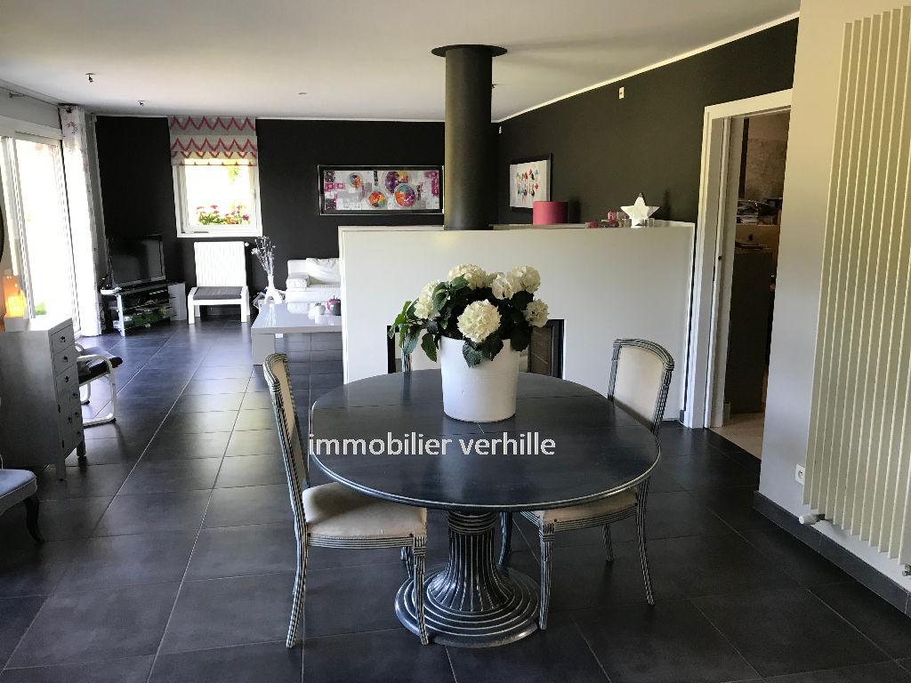 Maison Ennetieres En Weppes 6 pièce(s) 214 m2