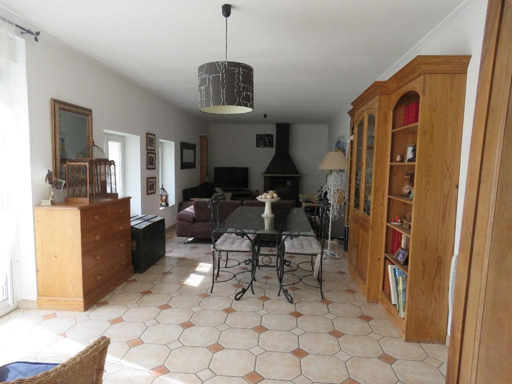 Maison Le Mesnil Le Roi 9 pièce(s) 204 m2