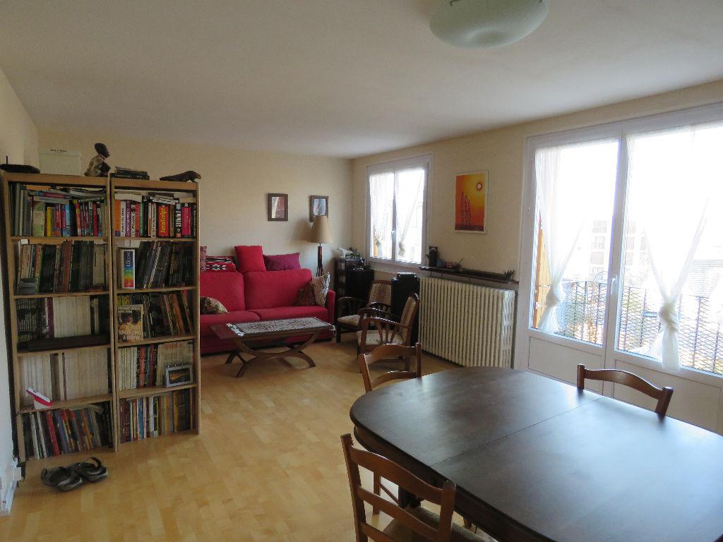 Appartement 3 pièces: très chaleureux