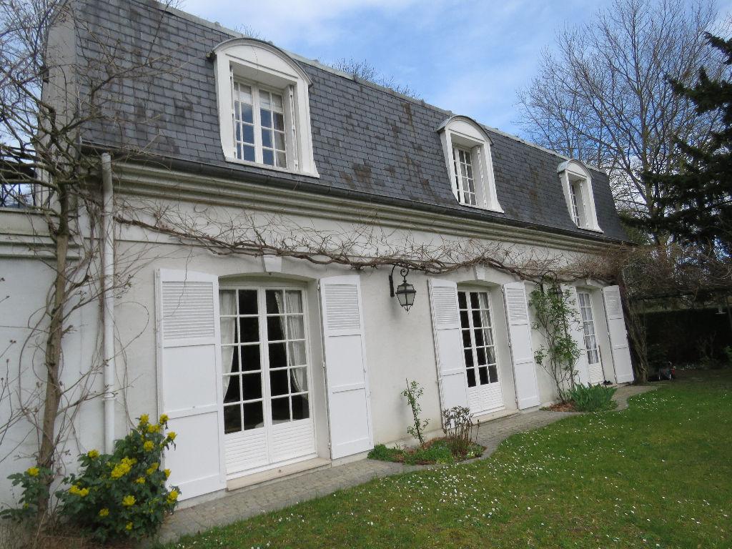 Maison Maisons Laffitte 6 pièce(s) 130 m²