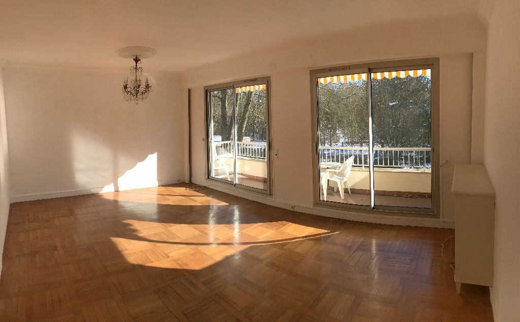 Appartement Le Mesnil Le Roi 5 pièce(s) 122 m2