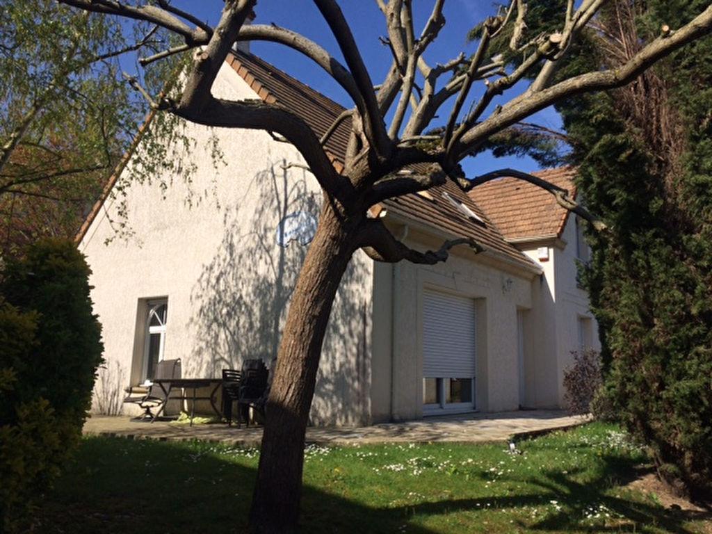 Maison Le Mesnil Le Roi 7 pièce(s) 130.31 m2