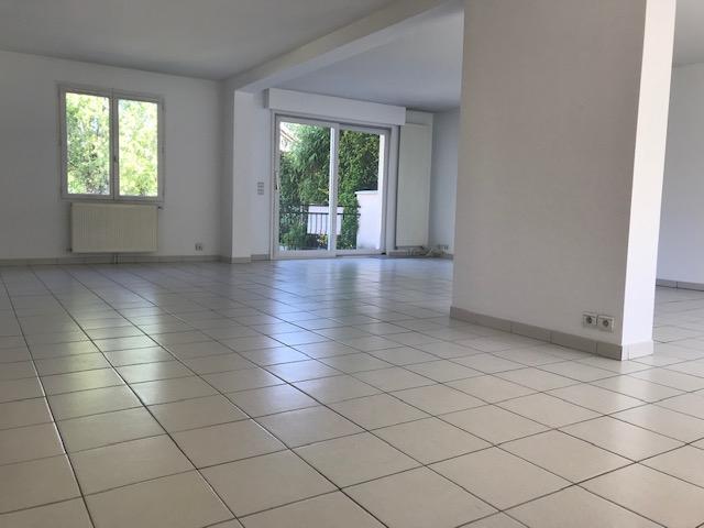 Maison Le Mesnil Le Roi 6 pièce(s) 143.68 m2