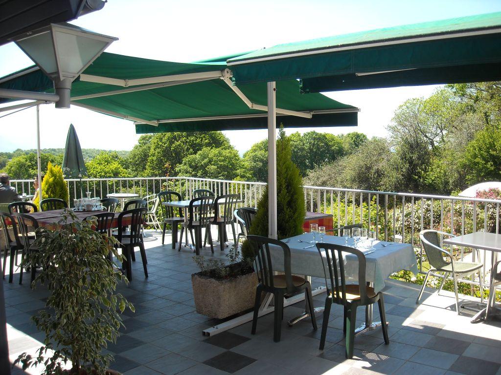 Proche de LOURDES - Cafés Hôtels Restaurants >> Restauration