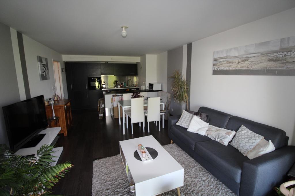 COUP DE COEUR.Appartement Le Coudray 2 pièce(s) 54 m2