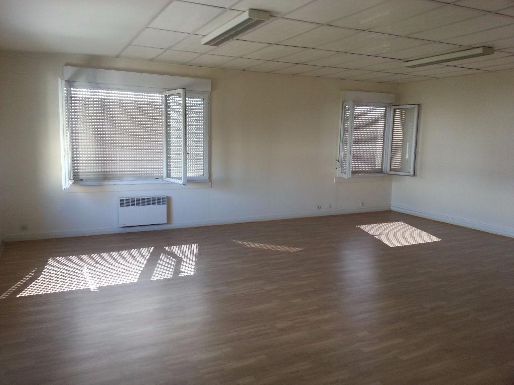 Local d\'activité bureaux et dépôt Poitiers 490 m2