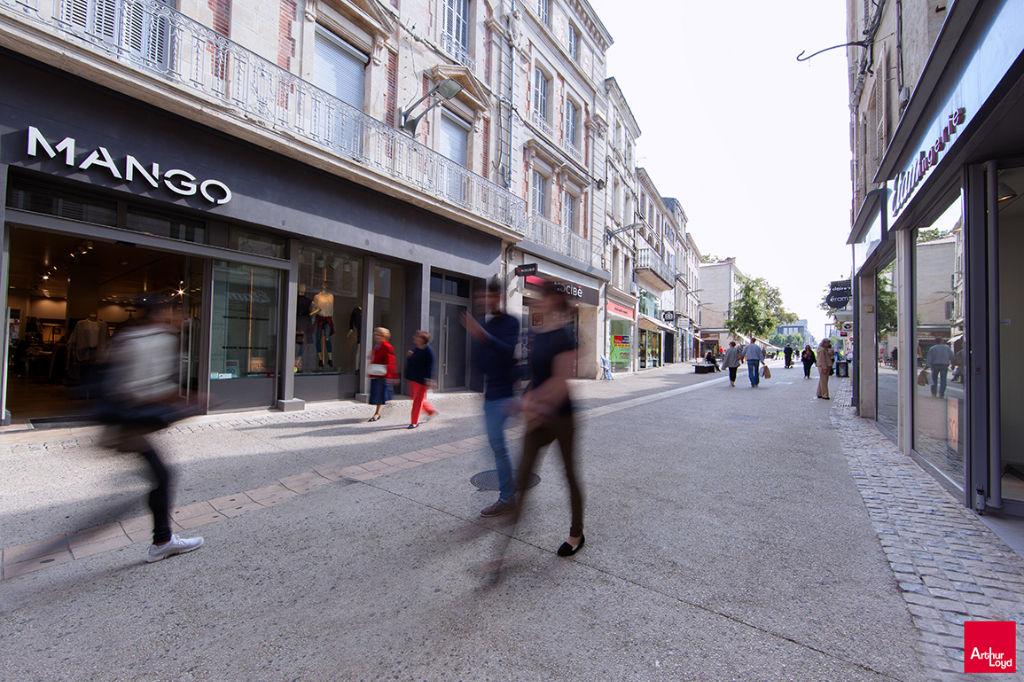 Local commercial Niort