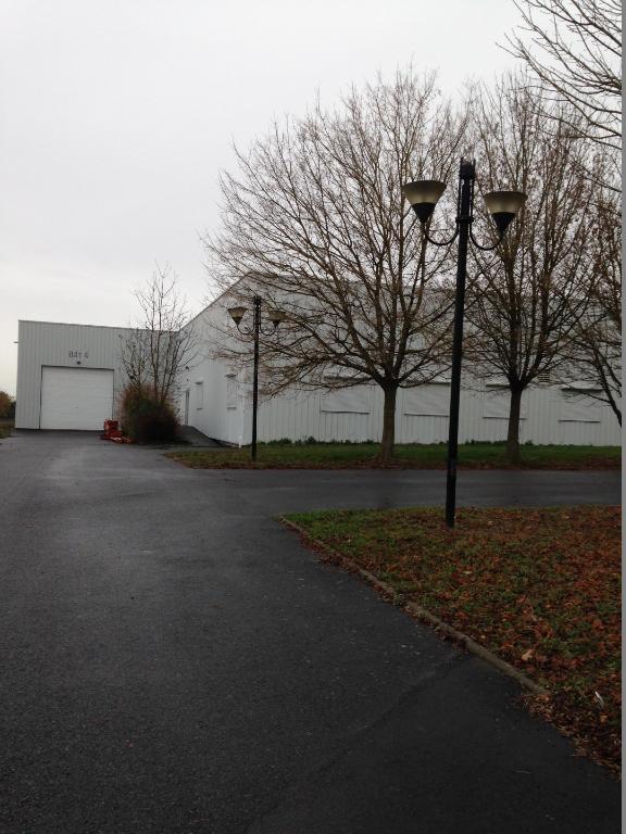 Entrepôt / local industriel Loudun 955 m2