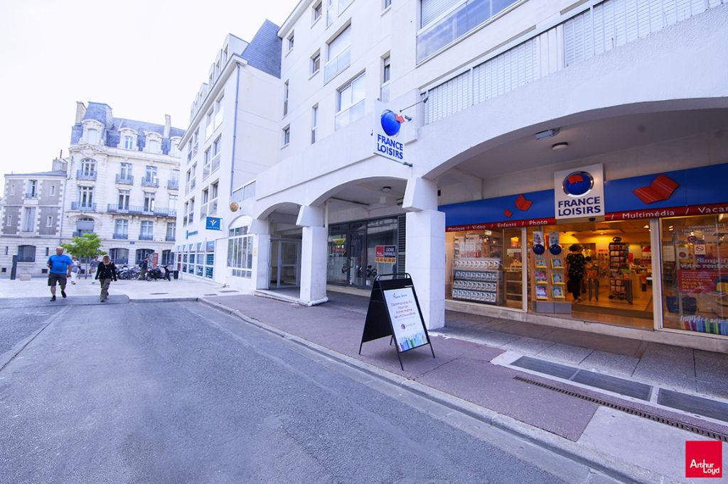 Local Poitiers centre - 210 m2