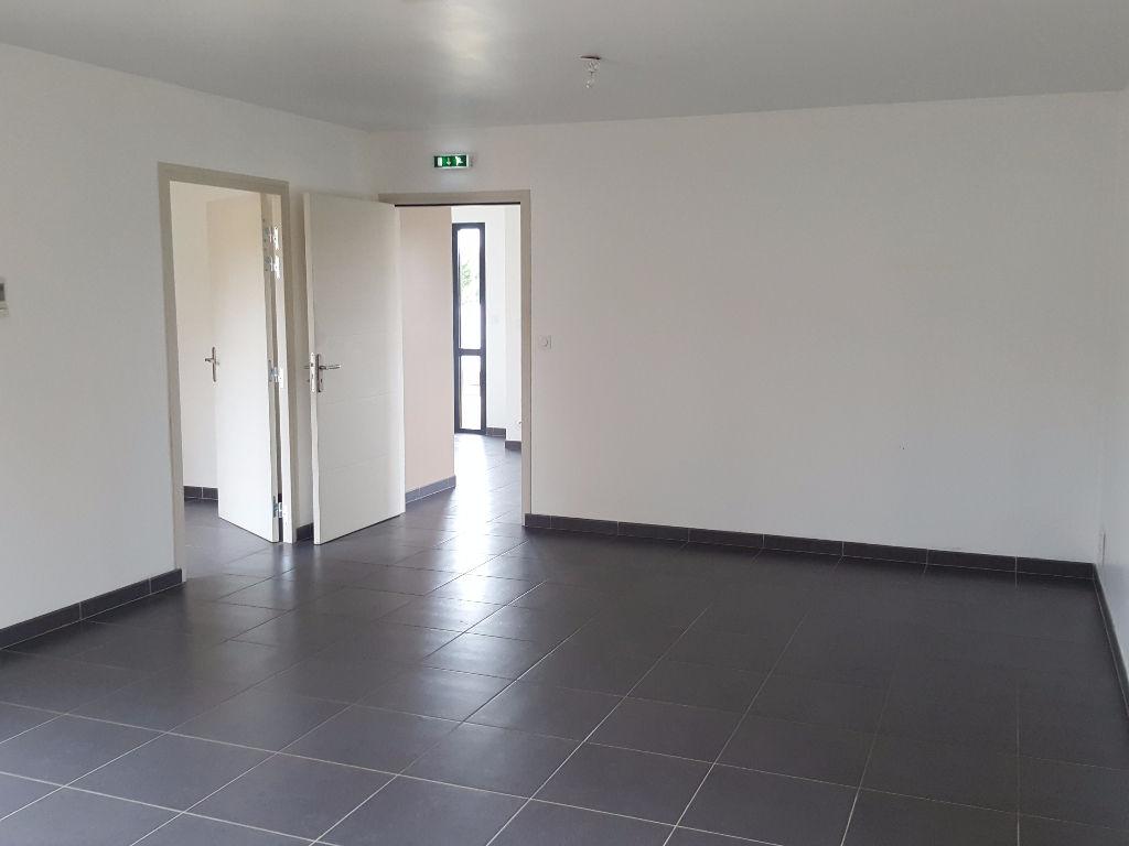 Bureaux Vivonne 59 m2