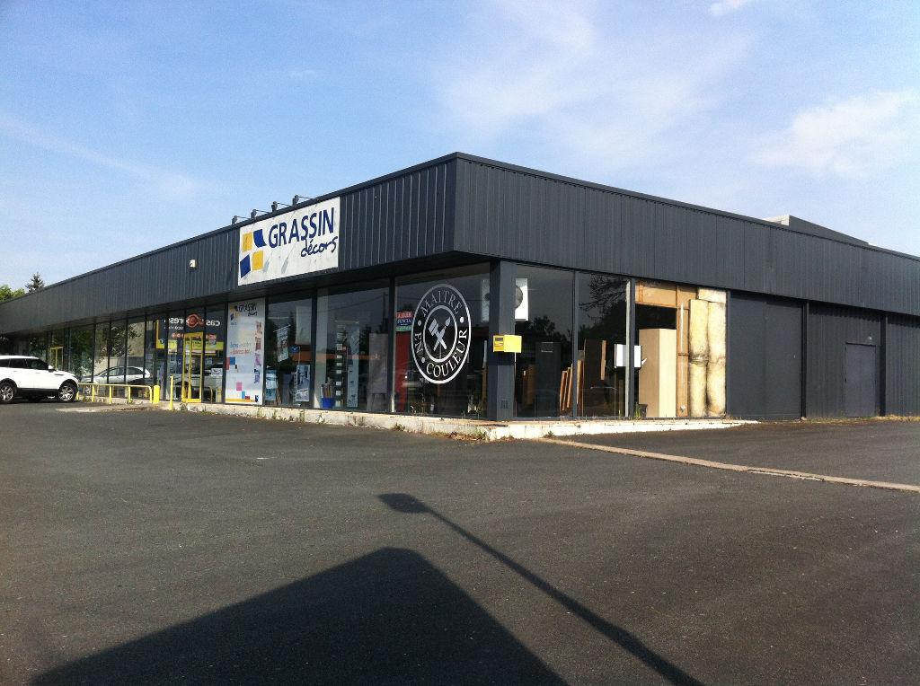 Bâtiment commercial Niort 770 m2
