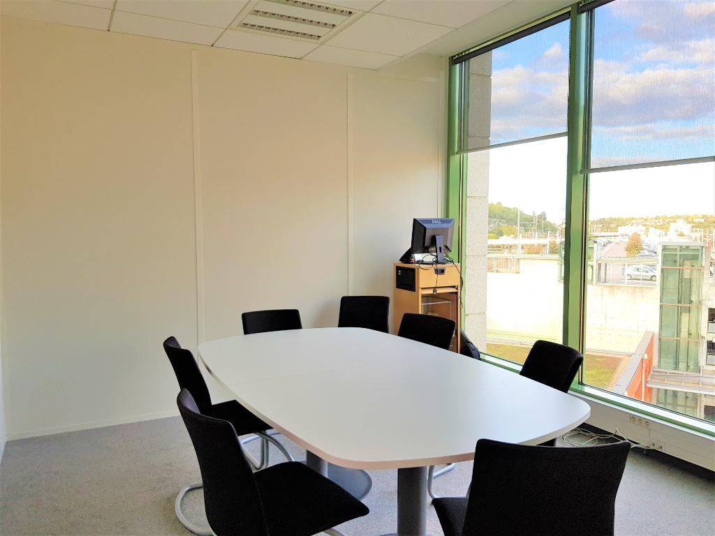 Poitiers Bureaux à louer très récents 158 m2 secteur gare
