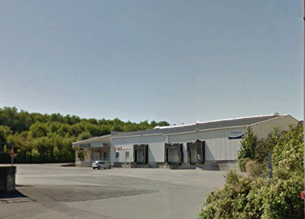 Entrepôt / local industriel La Creche 320 m2