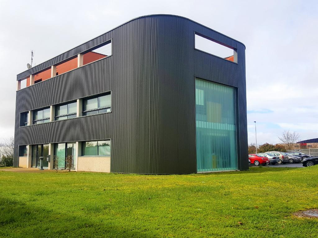 Bureaux à vendre / louer - Poitiers Futuroscope Chalembert téléport 8 - 504 m2