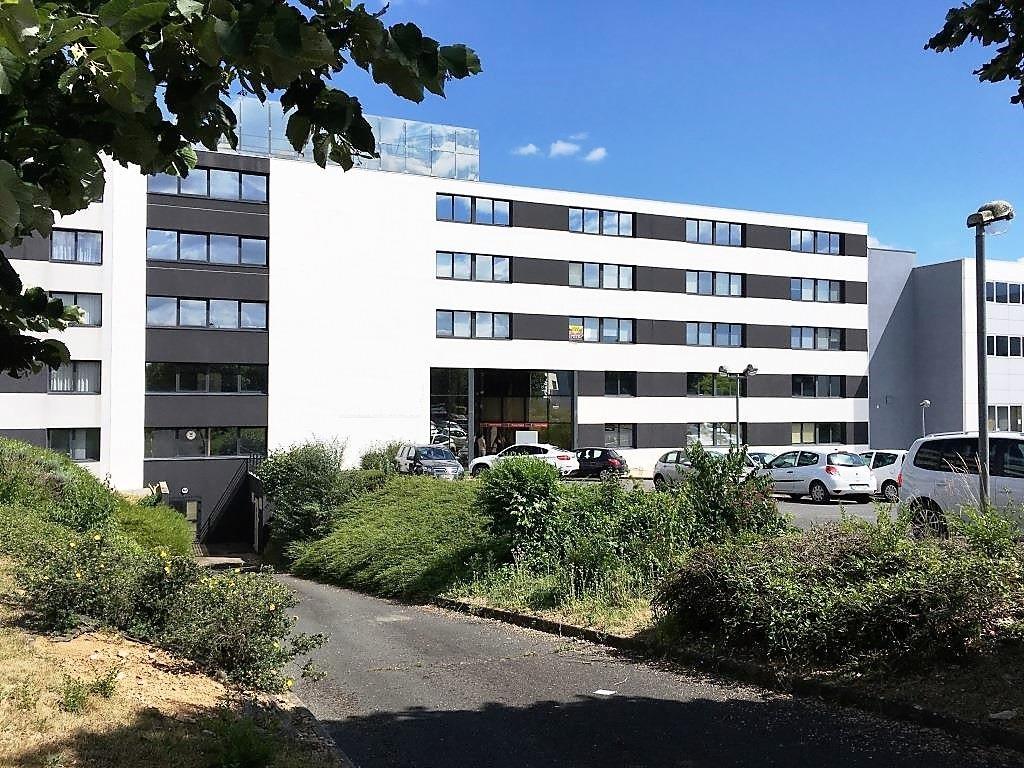 Bureaux Chasseneuil Du Poitou 78 m2