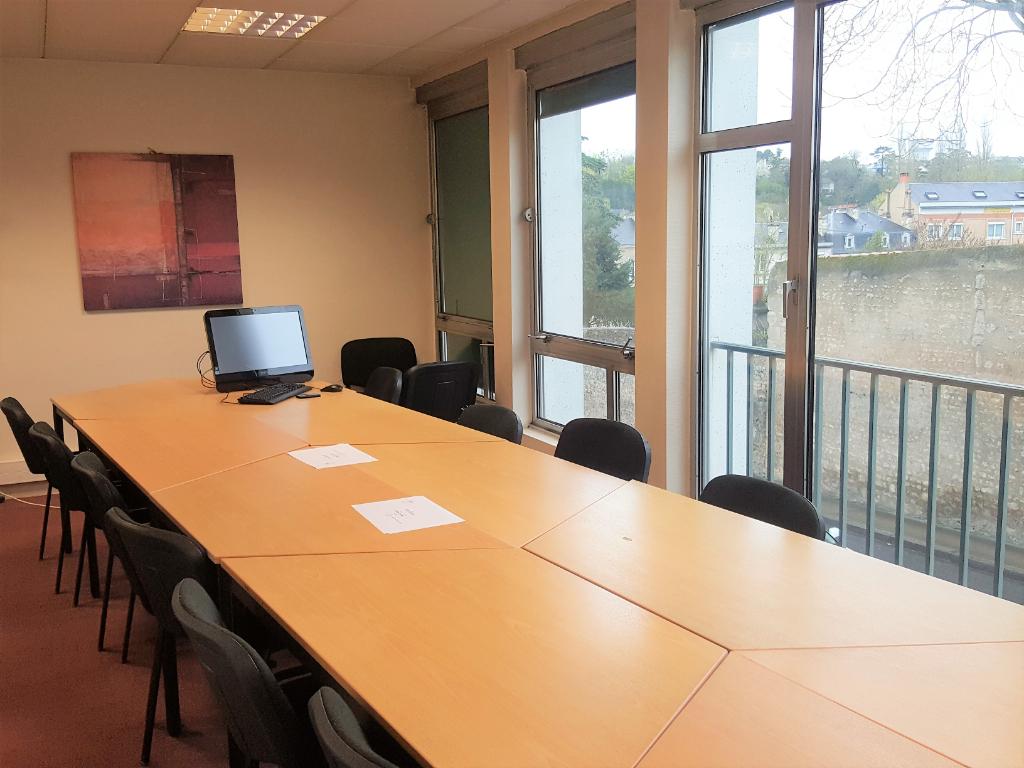 A vendre Bureaux de centre ville à Poitiers 424,20 m2 + 13 stationnements