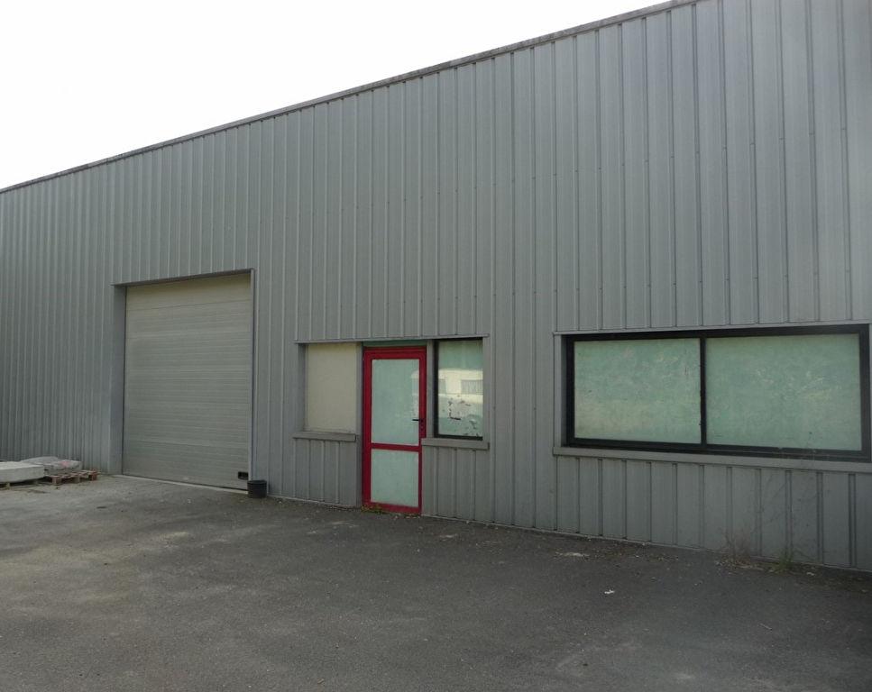 Entrepôt / local industriel Saint Benoit 253 m2