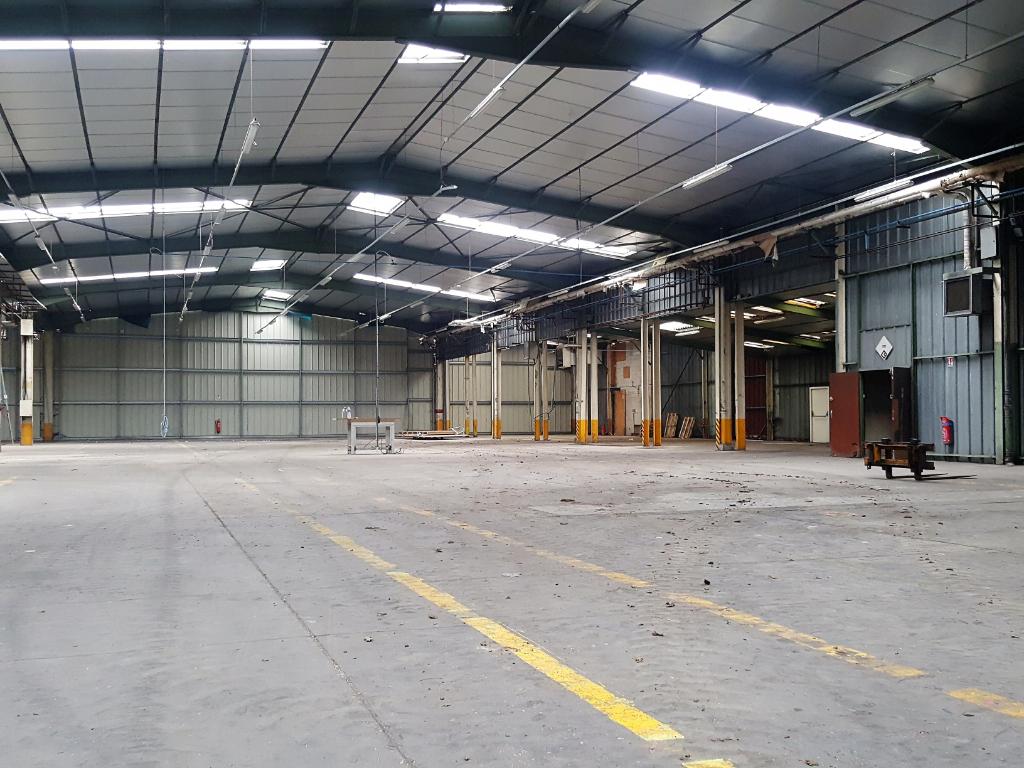 Entrepôt Poitiers sud - 3 700 m2 - à vendre