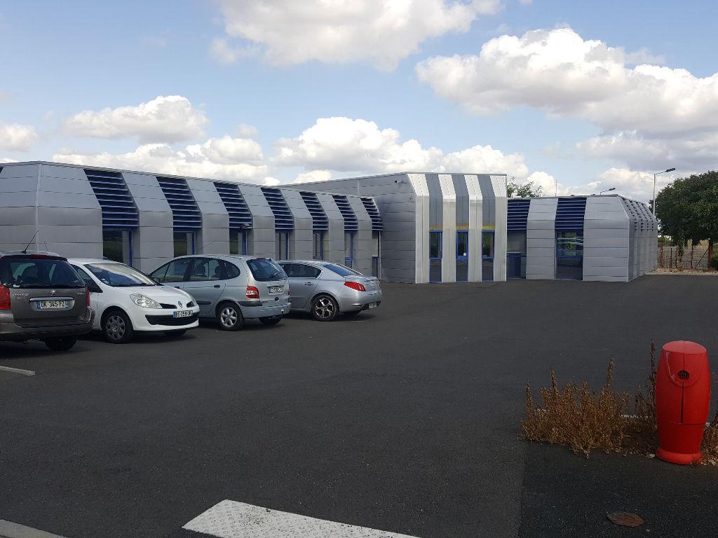 Poitiers ZI République - 430 m² de bureaux ou  activité à louer