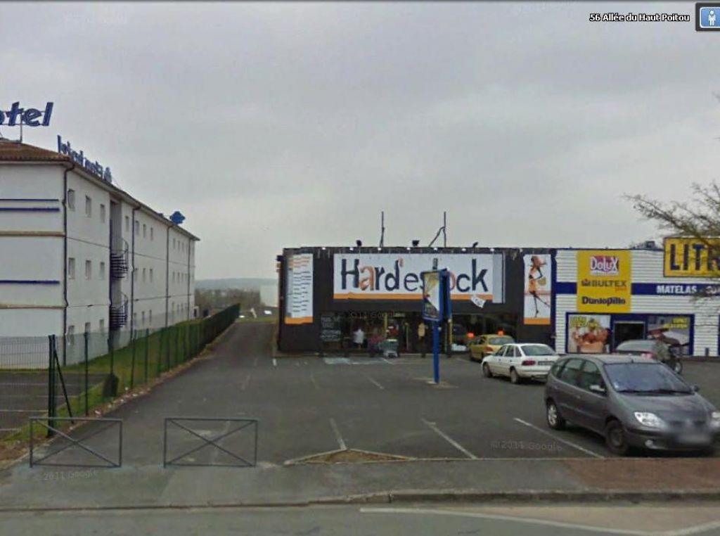 A louer local commercial CHASSENEUIL DU POITOU - 535 m2
